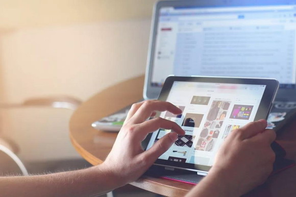 应用新兴技术创造品牌体验 精准接触受众创建顾客忠诚